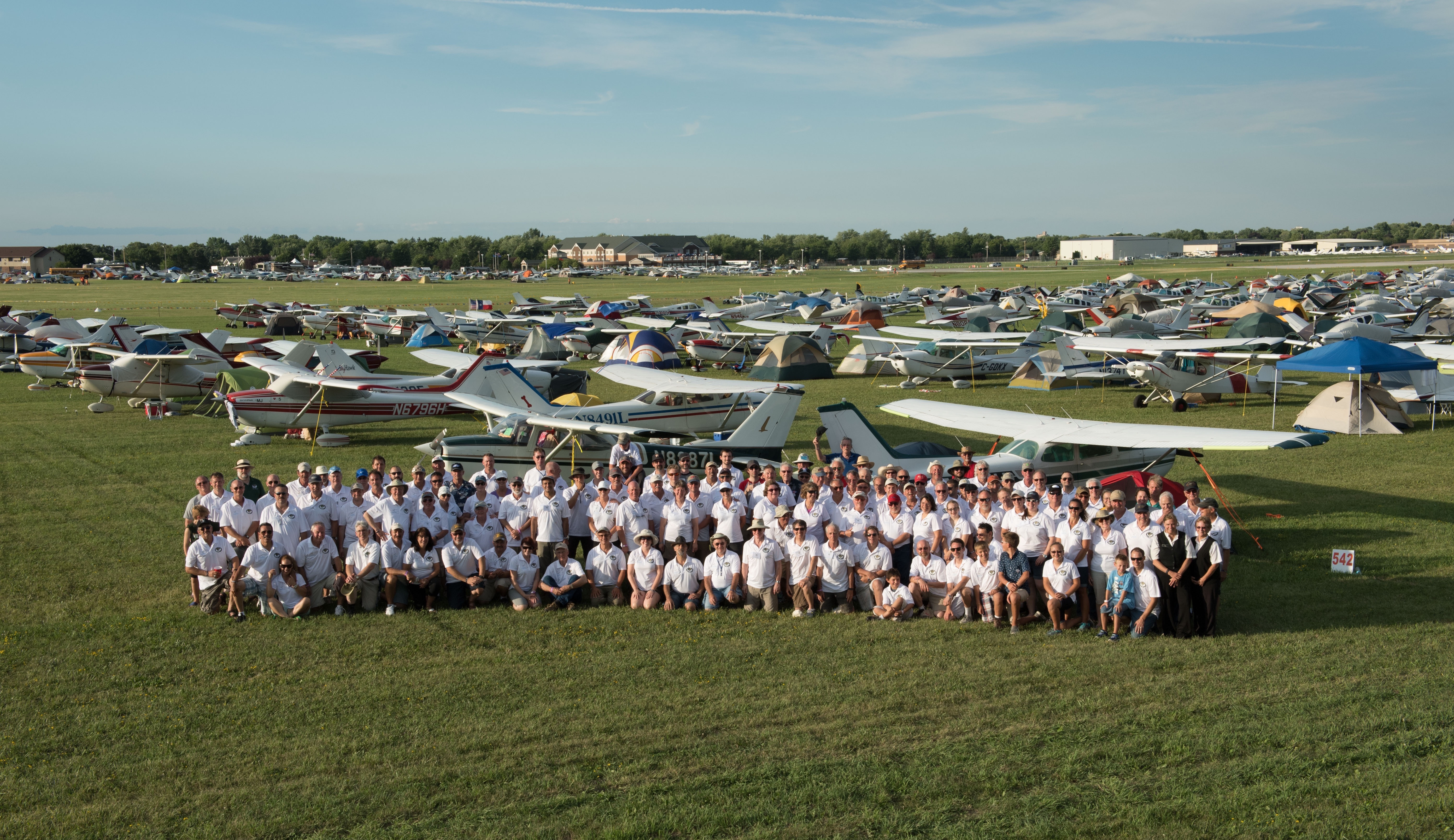 2016 Cessnas 2 Oshkosh Group Picture